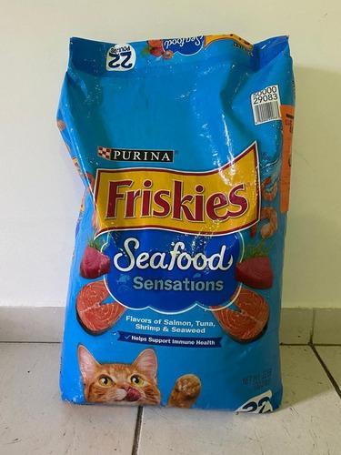 Gatarina importada friskies de 22 lb meow mix de 30 lb