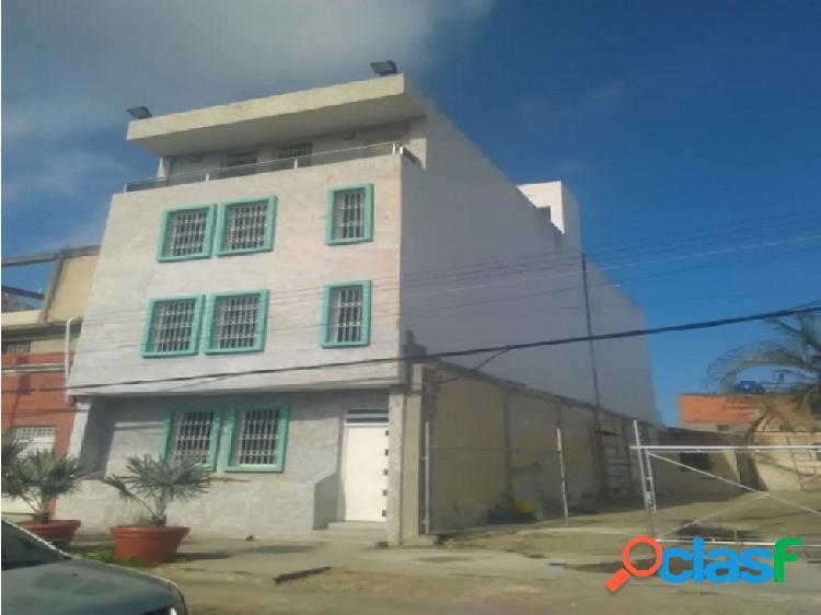 Edificio de 4 pisos con oficinas en puerto cabello, carabobo.