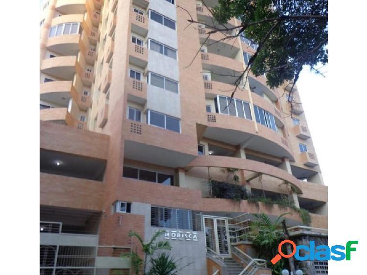 Apartamento en la Urbanización El Parral.
