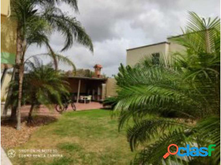 Inmobiliaria farro vende quinta tipo mansión en juanico