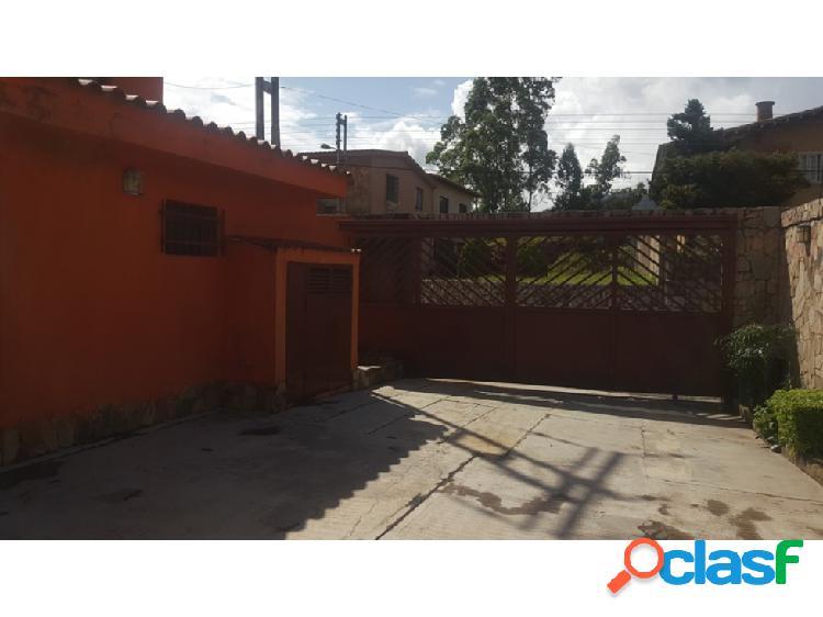 Casa Quinta estilo Colonial en La Entrada, sector Altamira 1