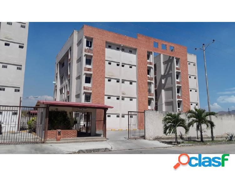 Apartamento en los caobos 20-9894 raga