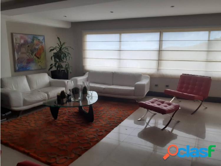 En venta hermoso apartamento en el Parral 1