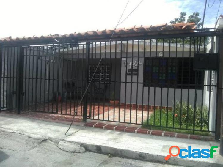 Casa en venta barquisimeto fundalara, al 20-2109