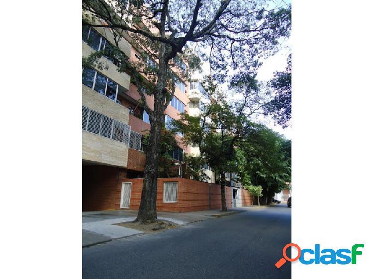 Alquiler apartamento 110m2. 2h / 2b / 2e. campo alegre