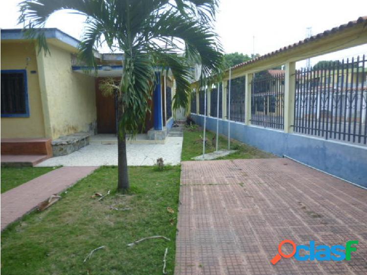Casa en alquiler en barquisimeto rotaria, al 20-3435