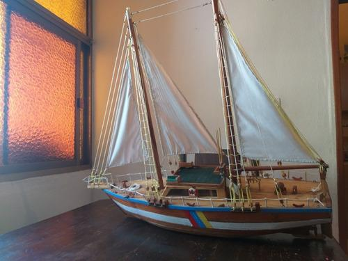 Barco de madera artesanal adorno decoracion