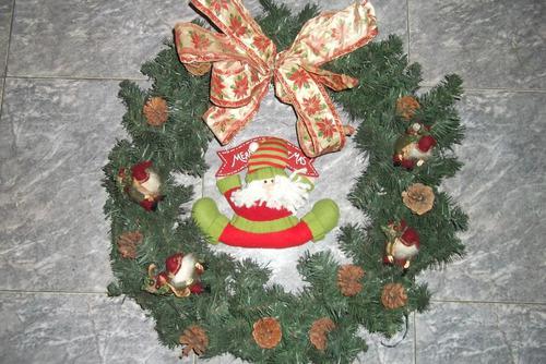 Corona de navidad con adornos para decoracion oportunidad