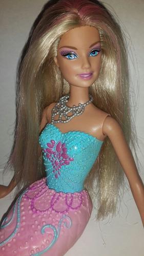 Barbie sirena cambia color juguete