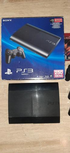 Playstation 3 con 3 controles 2 juegos