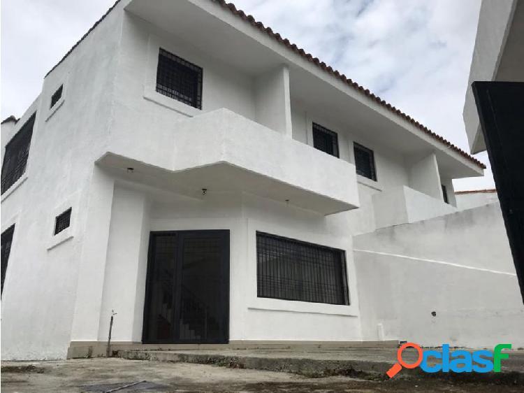 VENTA TOWN HOUSE JARDÍN MAÑONGO NAGUANAGUA