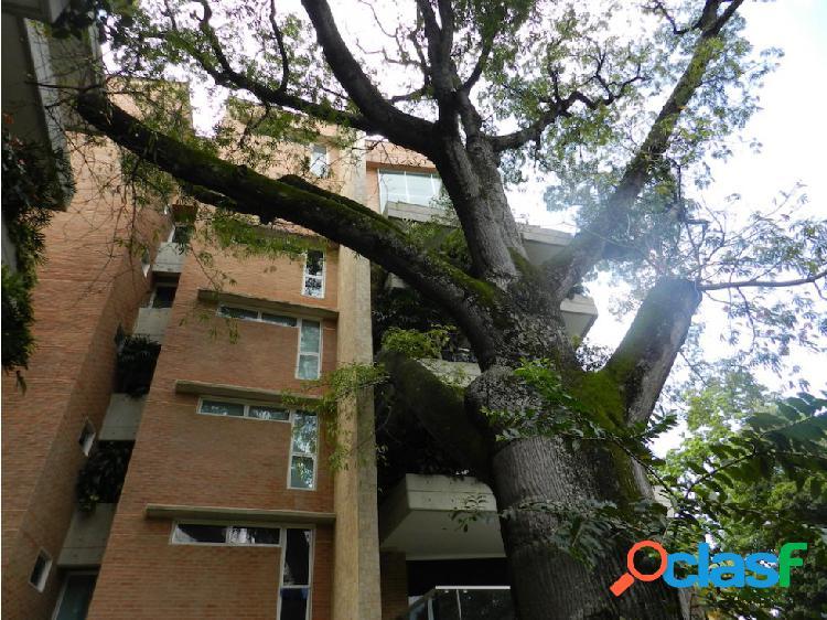 Apartamento 292m2 recién remodelado en campo alegre 3h+s/ 4b+s/ 4p