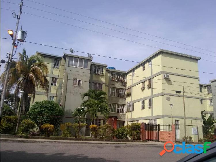 Junior alvarado vende apartamento en bqto rah:20-21565 ?04245034947