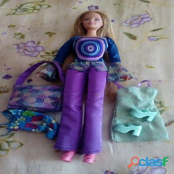 Muñeca barbie de cabello largo
