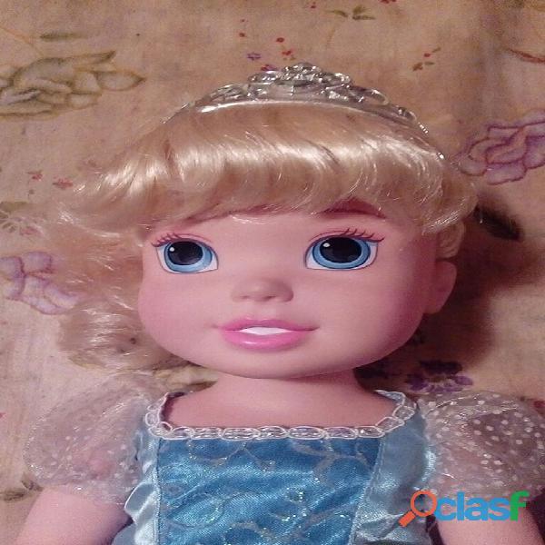 Muñeca cenicienta de disney