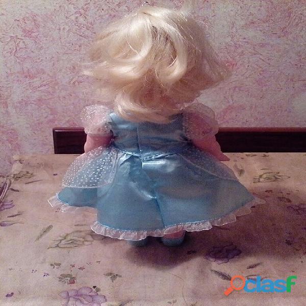 Muñeca Cenicienta de Disney 2