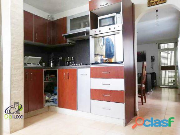 Cómodo Apartamento de 55m2 de construcción, Urbanización Humboldt 4