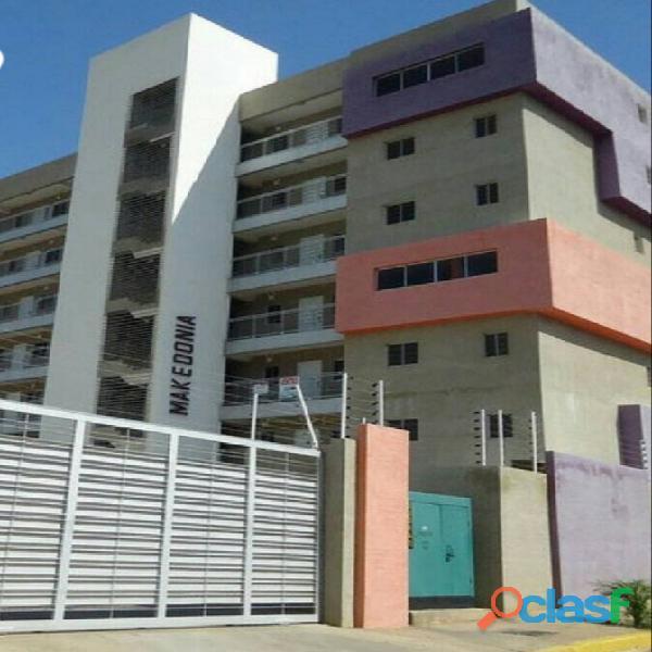 Venta de bello apartamento listo para habitar en maracaibo. av. 5 de julio con 13a