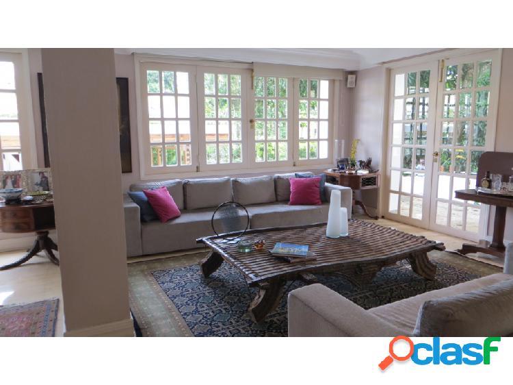 Se vende casa 695m2 4h+2s/4.5b+s/4p alta florida