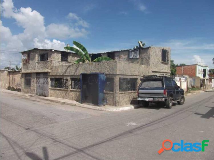Casa barrio los hornos de palo negro edo aragua