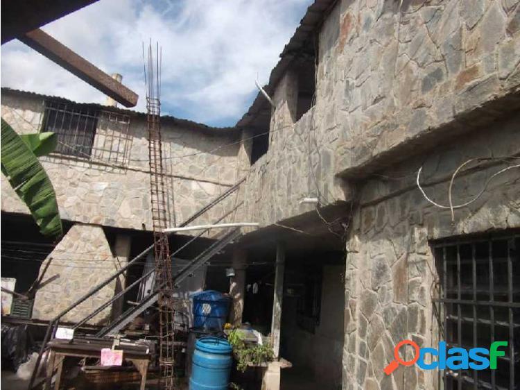 Casa Barrio Los Hornos de Palo Negro Edo Aragua 2