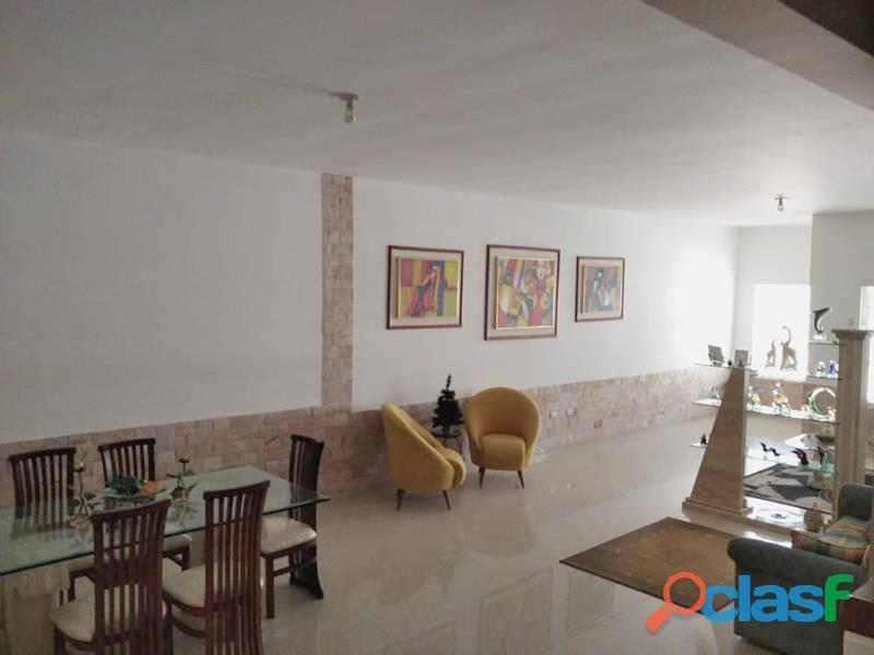 Casa en El Parral de 303 m2 1