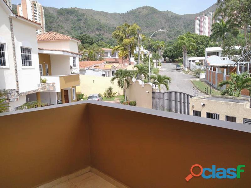 Town House en El Parral de 303 m2 IDTH 564 3