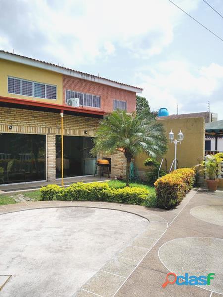 Town House en El Parral de 303 m2 IDTH 564 4