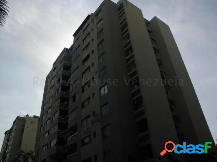 Apartamento en venta en Agua Blanca Valencia 20-8178 RAGA