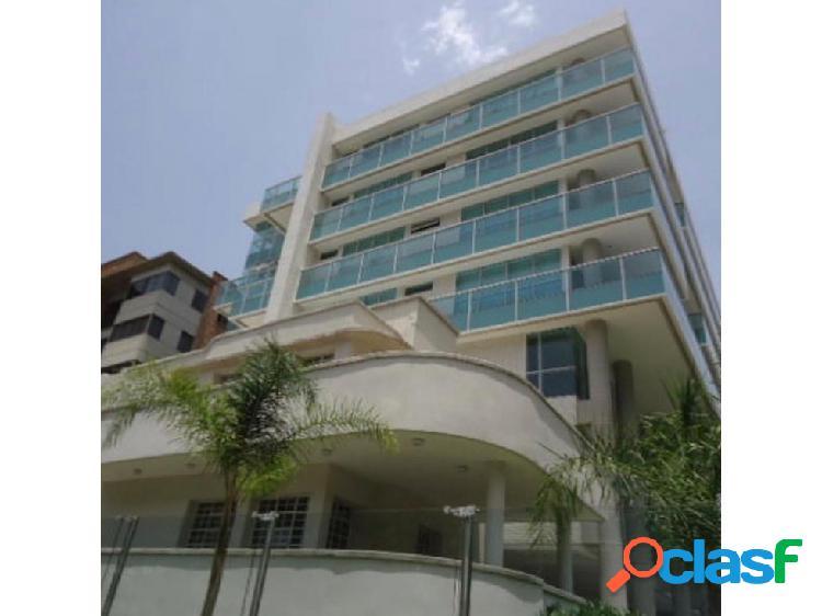 Apartamento tipo estudio en campo alegre 60m2 1h/ 2b/ 2p