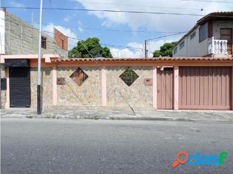 Casa en Venta Barquisimeto RAH 20-3081 ML 04245105659