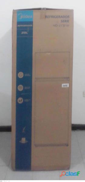 Nevera Nueva 2 puertas capacidad 207 litros con 143 cm de alto 2
