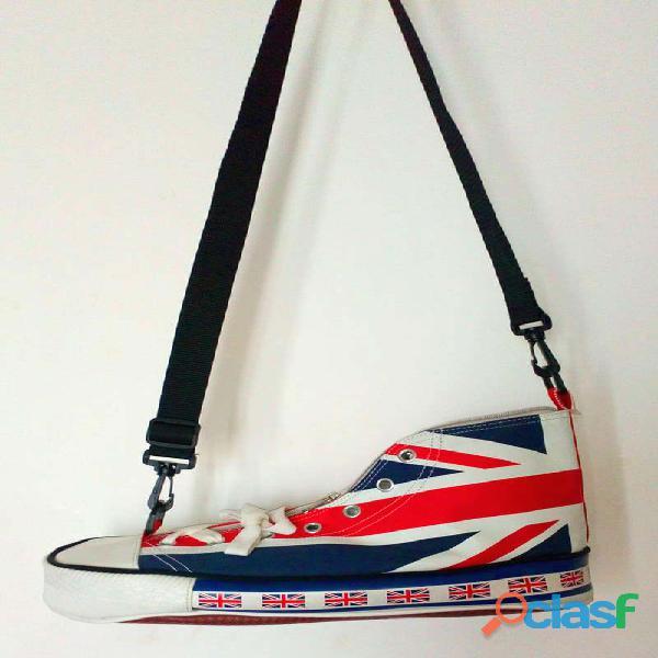 Bolso deportivo en forma de bota comprada en londres