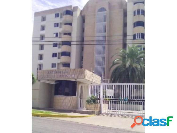 Penthouse en residencias parque caroní, villa africana