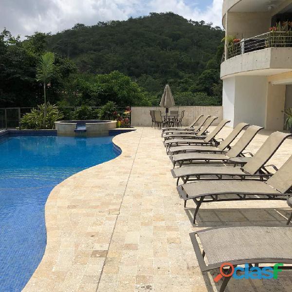 Apartamento en Altos de Guataparo. FOA 699 9