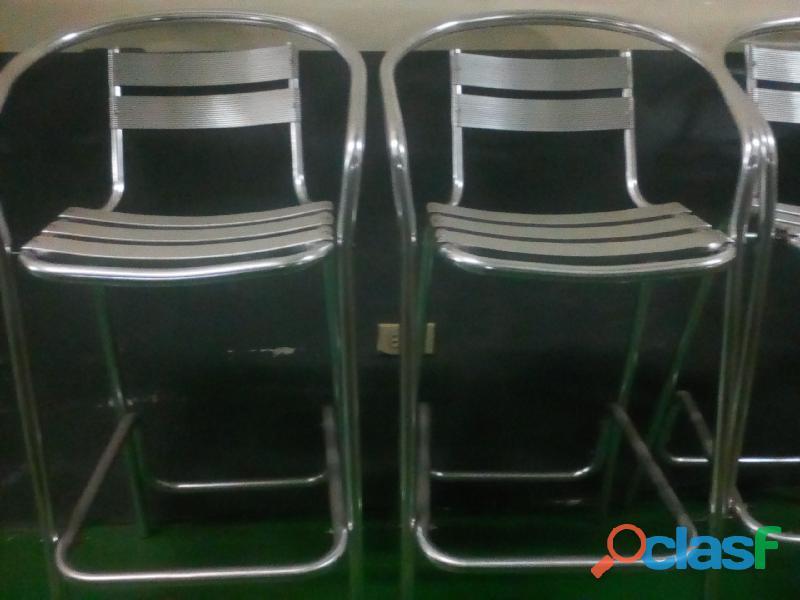 4 sillas de aluminio altas por 80$