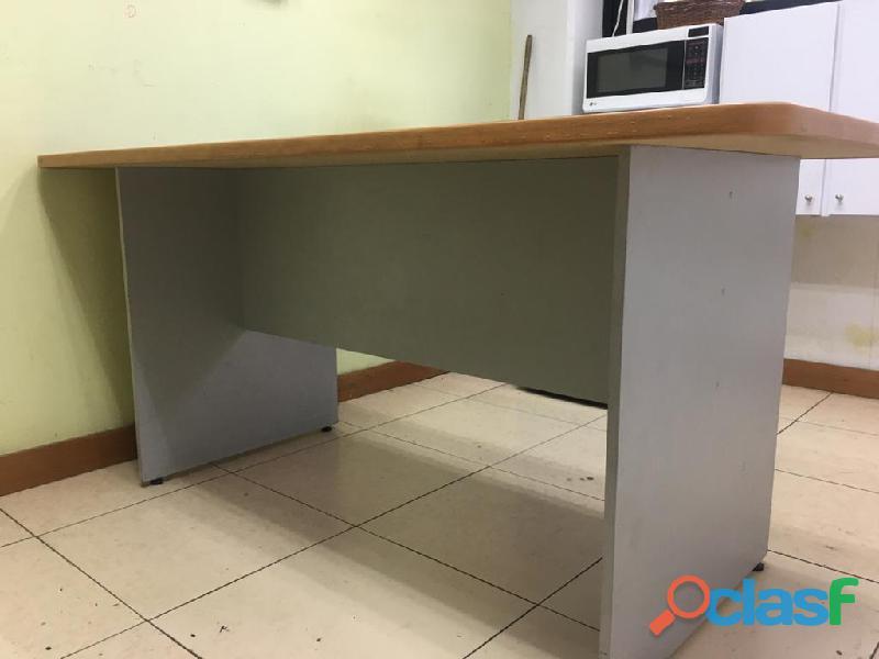 Se venden escritorios en 50$