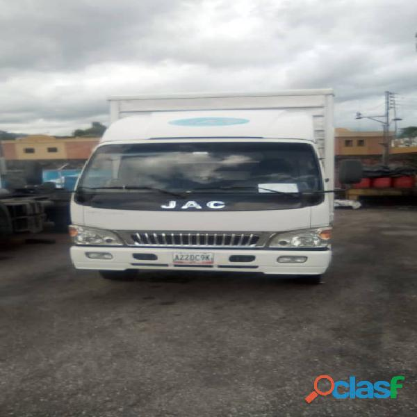 Flete camión Jac modelo hfc1061 1
