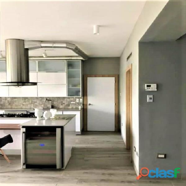 SKY GROUP Vende Apartamento en El Parral 3