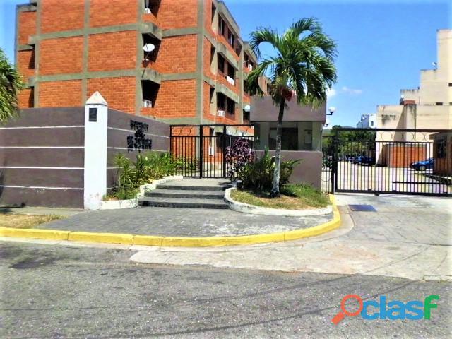 SKY GROUP Vende Apartamento en Los Guayabitos, Naguanagua