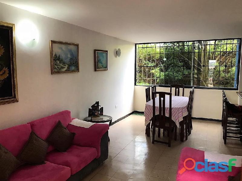 EN VENTA bello y cómodo apartamento en San Cristóbal, La Concordia.