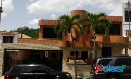 SKY GROUP Vende Casa Quinta en Prebo III