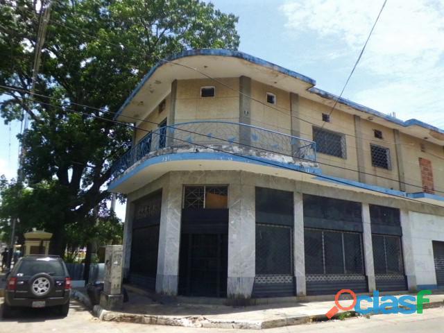 SKY GROUP Vende Edificio de Locales en San Blas 1