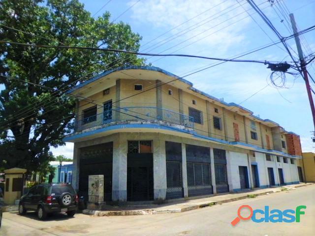SKY GROUP Vende Edificio de Locales en San Blas 2