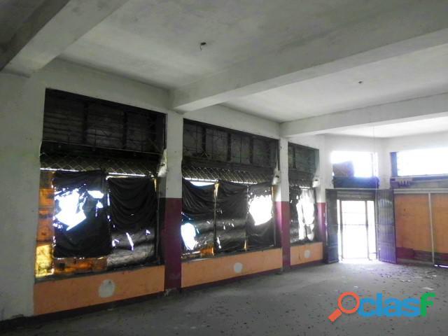 SKY GROUP Vende Edificio de Locales en San Blas 5
