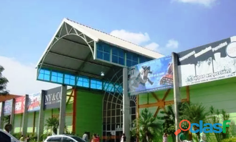 SKY GROUP Vende Local Comercial en Gran Bazar
