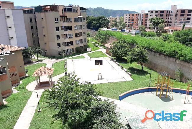 Venta Apartamento Semi Amoblado Av Julio Centeno San Diego   RAP96