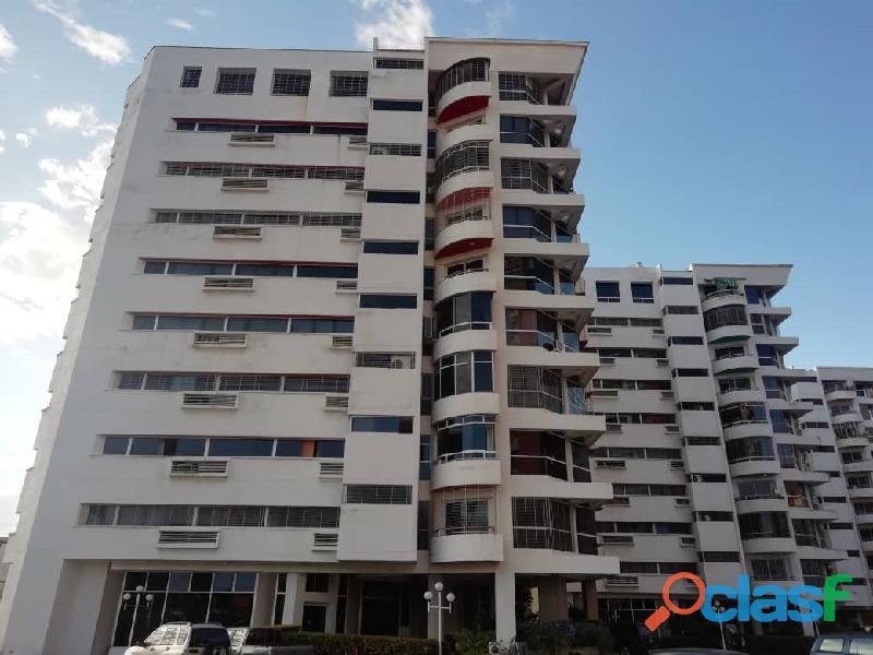 Apartamento en venta urb mañongo 131m2