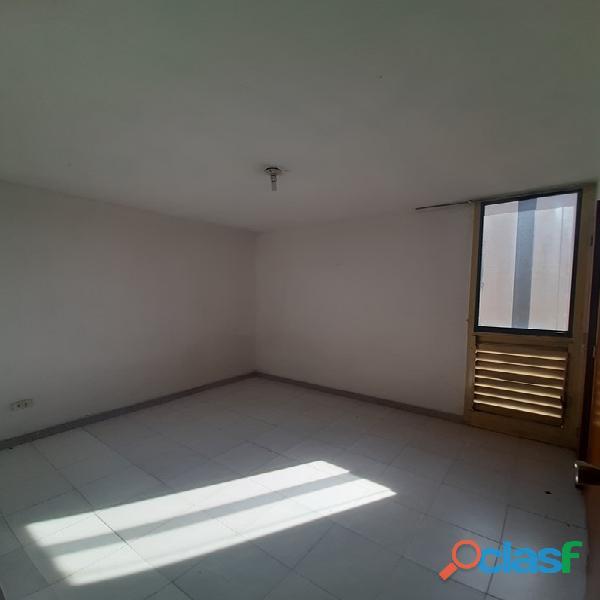 SKY GROUP Vende apartamento en los Caracaros FOA 1199 13