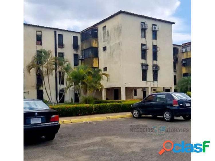 Apartamento en residencias kanaima norte, urbanización paratepuy